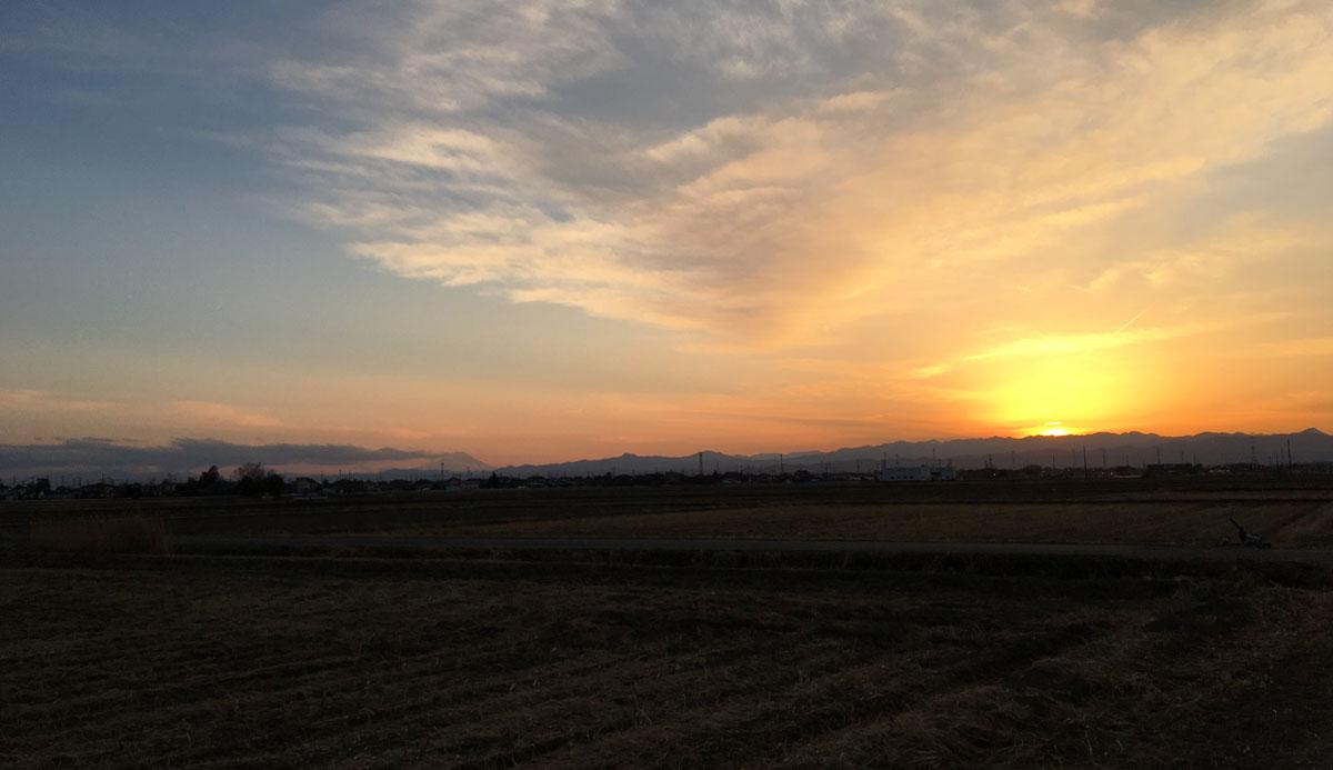 日没の夕日